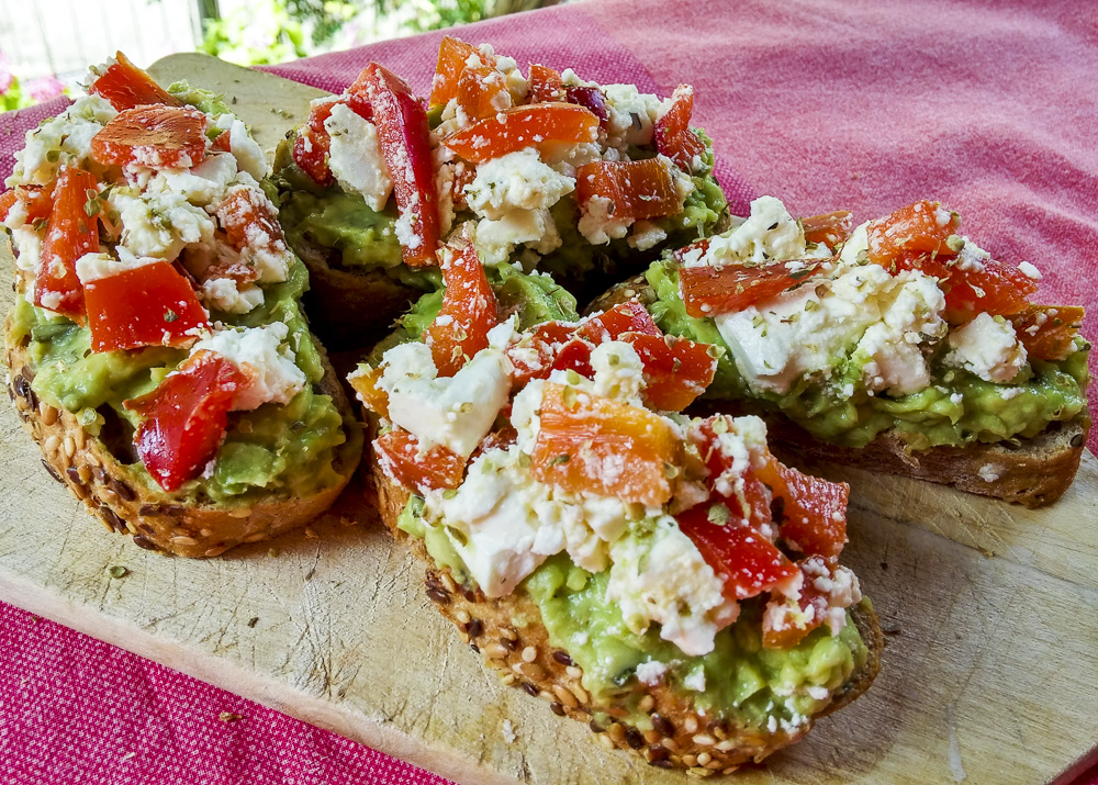 crostini avocado feta