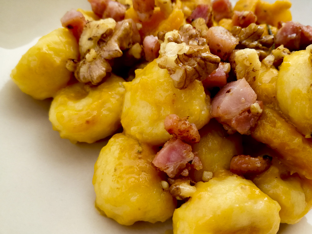 gnocchi patate zucca pancetta noci