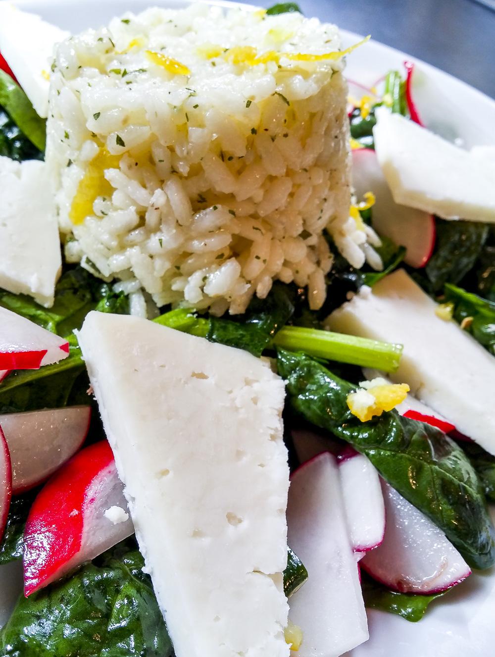pranzi da ufficio insalata di spinaci caprino riso