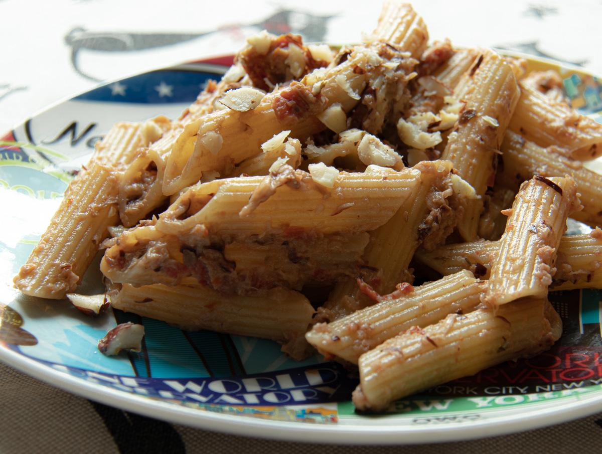 pasta vegana tahina pomodori radicchio