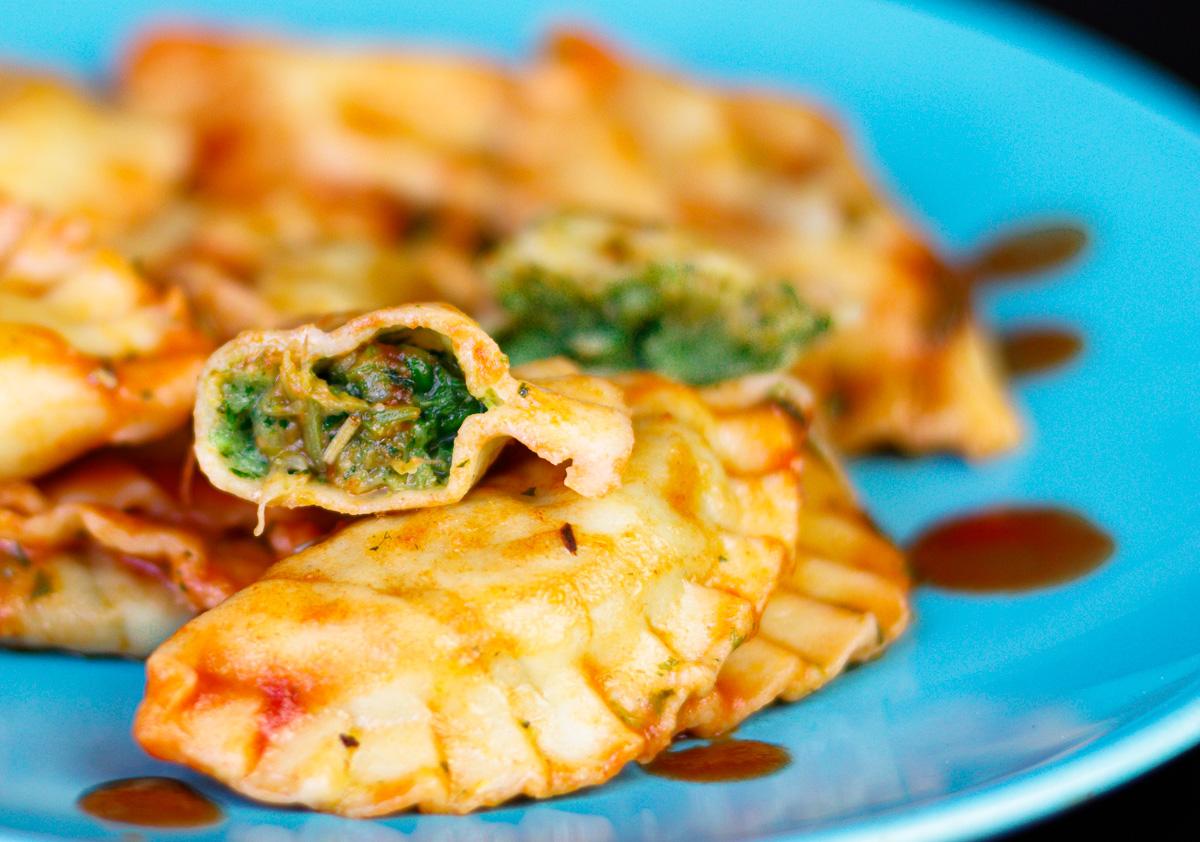 ravioli mozzarella cime di rapa